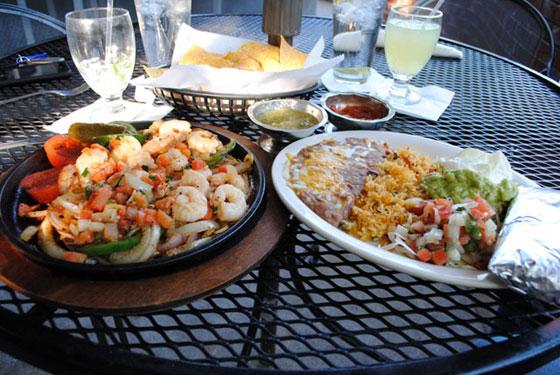 La Paz Shrimp Fajitas