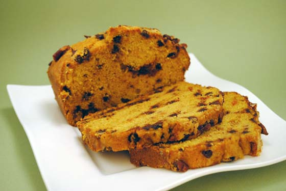 Chocolate Chip Pumpkin Bread by So, How's It Taste? www.leah-claire.com