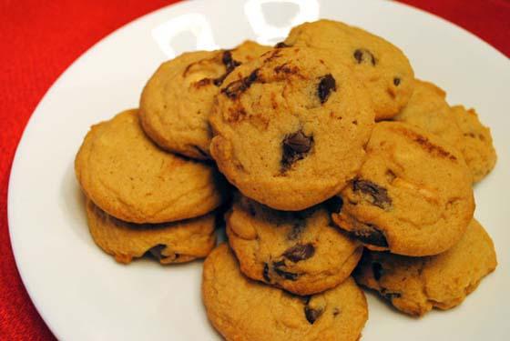 Chunky Peanut, Chocolate, and Cinnamon Cookies