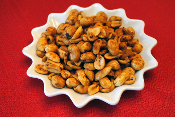 Smoky Spicy Peanuts