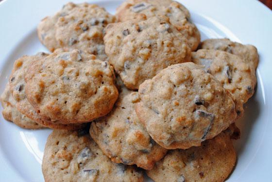 Banana Walnut Chocolate Chunk Cookies