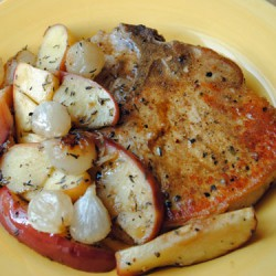 Pork Chops with Roasted Apples & Onion