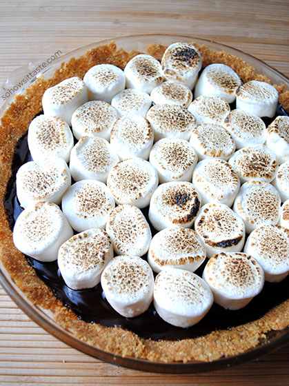 No-Bake S'mores Pie by So, How's It Taste? www.leah-claire.com