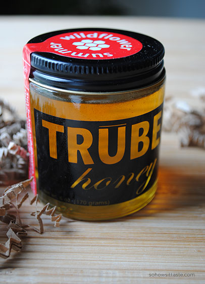 Batch Nashville TruBee Honey on So, How's It Taste? www.leah-claire.com