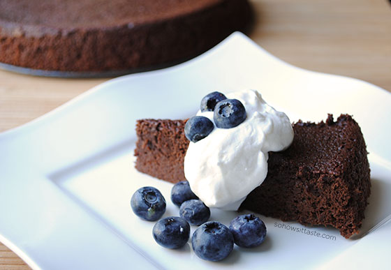 Mocha Cake by So, How's It Taste? www.sohowsittaste.com