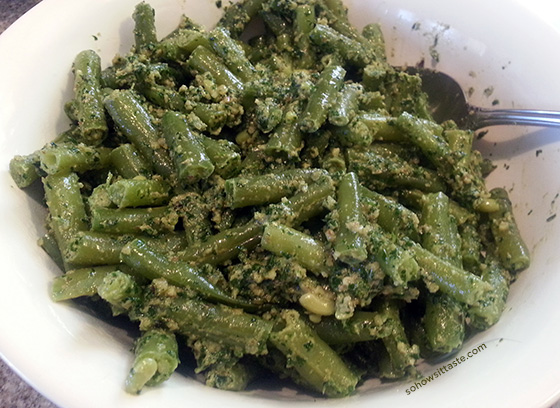 Green Beans with Walnut Parsley Sauce by So, How's It Taste?